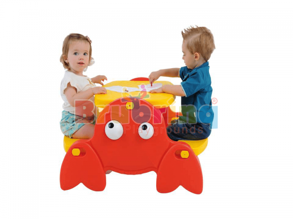 mesa infantil em formato de siri da marca brubrinq